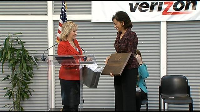 Verizon Announces 500 New Jobs Added To Tulsa Hub