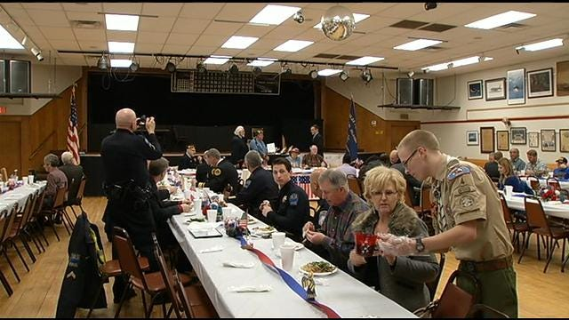 Tulsa VFW Honors 2 Tulsa Police Officers For Going Above And Beyond
