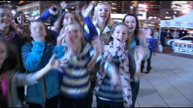 Tulsa Couple Surprise Granddaughter With Justin Bieber Tickets
