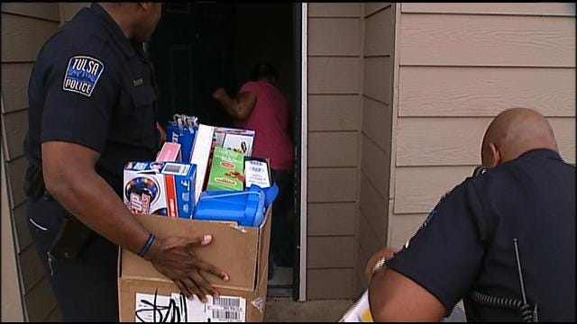 Tulsa Police Deliver Presents To Kids Santa May Have Missed