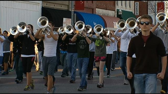 Pride Of Broken Arrow Practices For Rose Parade On Main Street