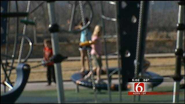 Oklahoma DHS: Foster Parents Needed