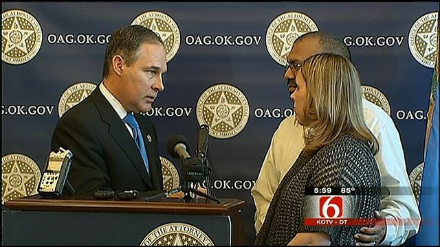 OK Attorney General Presents Tulsans With Check In Mortgage Settlement