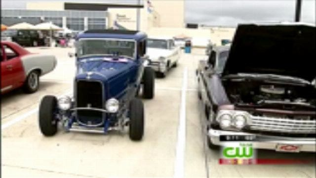Owasso FFA Holds Car Show At High School