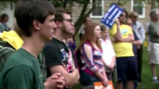 Students Protest Tulsa Businessman's Donation To University Of Kentucky