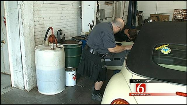 Tulsa Mechanics Keep Cool In Kilts