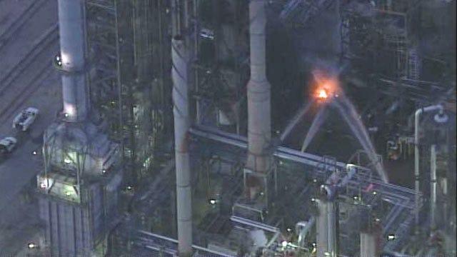 SkyNews6: West Tulsa Refinery Fire Video