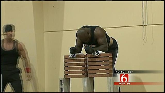 Former NFL Players Take Part In Mayor's 'Bridges Of Faith' Program