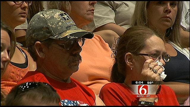 Farewell Ceremony Held In Tulsa For Deploying Soliders
