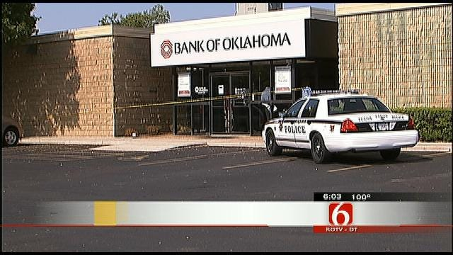 Police: Armed Robber Holds Up West Tulsa Bank Branch