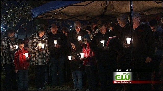Coweta Family Holds Vigil For Murdered Husband