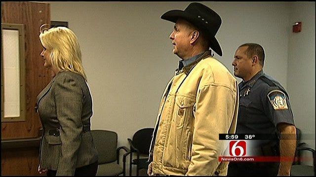 Jury Selection Underway In Garth Brooks Lawsuit Trial