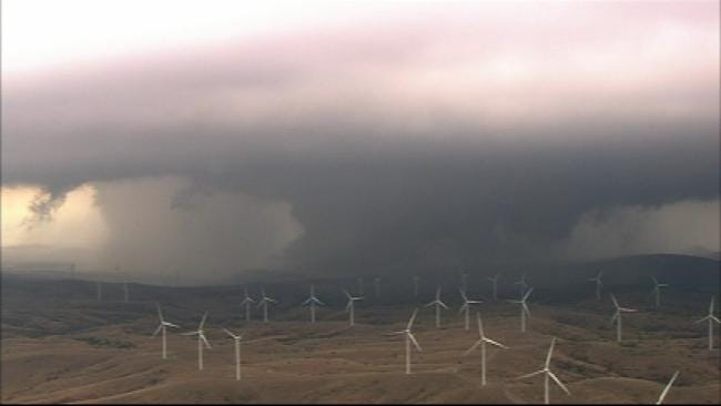 WEB EXTRA: SKYNEWS9 Flies Over Tornadoes, Wind Farm