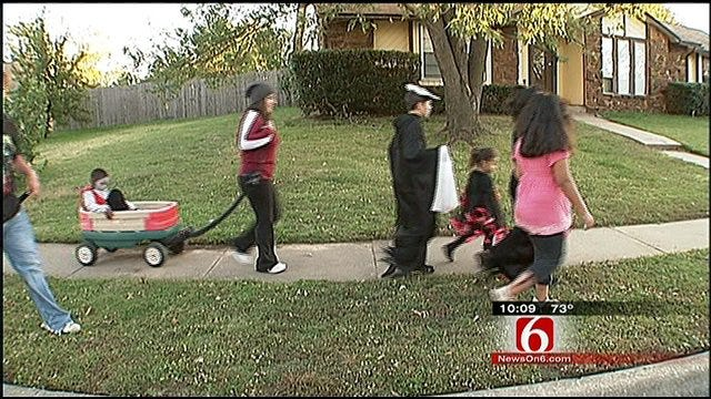 Tulsa Family Swap Halloween Candy For A Cause