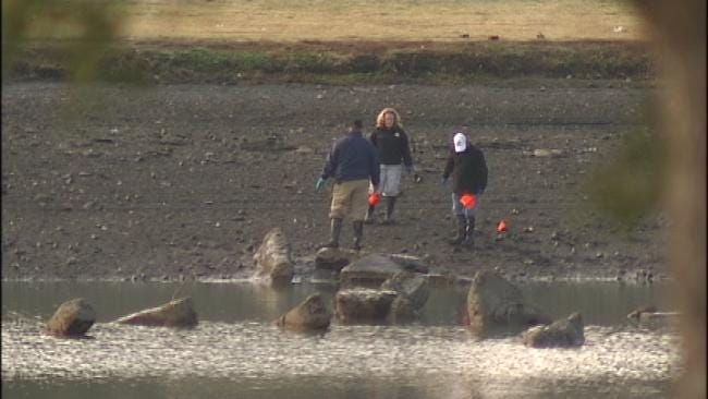 WEB EXTRA: Police Search East Tulsa Retention Pond
