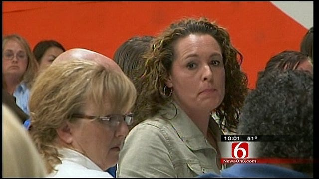 Vinita Residents Demand Answers After Mold Re-Appears In Schools