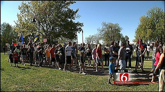 Thousands Pack Tulsa's Union Central Pack For Annual 'Buddy Walk'