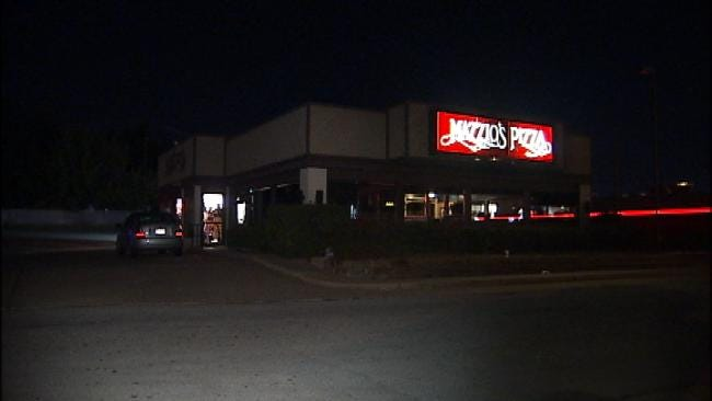 WEB EXTRA: Robbery Suspect Falls Through Ceiling At Tulsa Pizza Chain