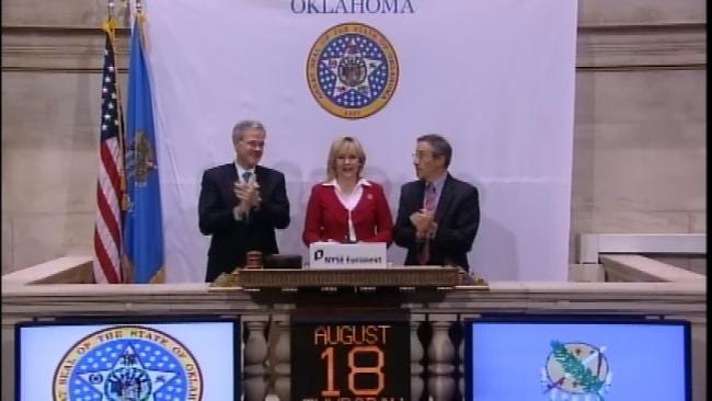 WEB EXTRA: Governor Mary Fallin Rings Opening Bell At NYSE