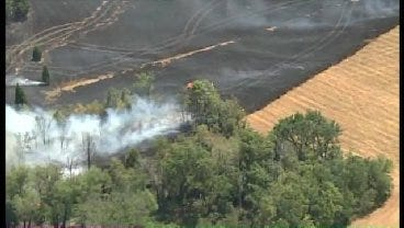WEB EXTRA: SkyNews6 Flying Over Frankhoma Grass Fire