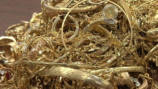 Oklahomans Cash In On Record High Gold Prices