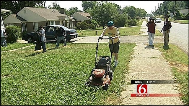 Tulsans Brave Heat To Help Those In Need
