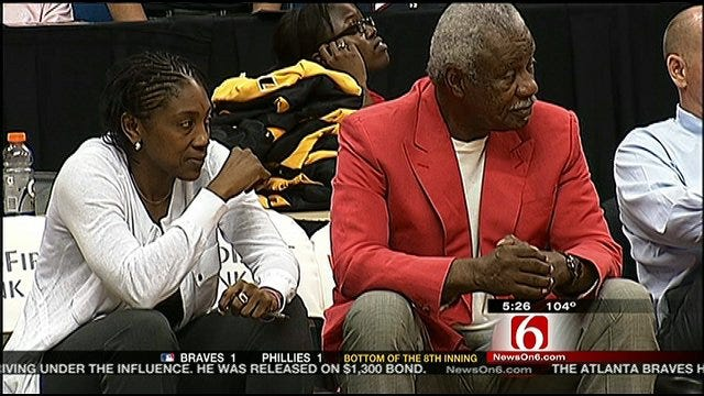 Nolan Richardson Steps Down