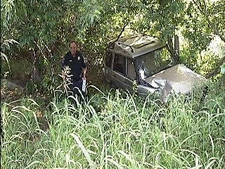 WEB EXTRA: Scenes From Land Rover Wreck