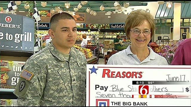 Oklahoma Blue Star Mothers Get Big Donation From Reasors