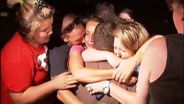 WEB EXTRA: Drake Rodman Reunited With His Family