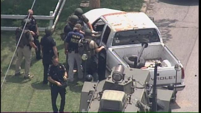 WEB EXTRA: Tulsa Police Find Stand Off Suspect Dead In Truck