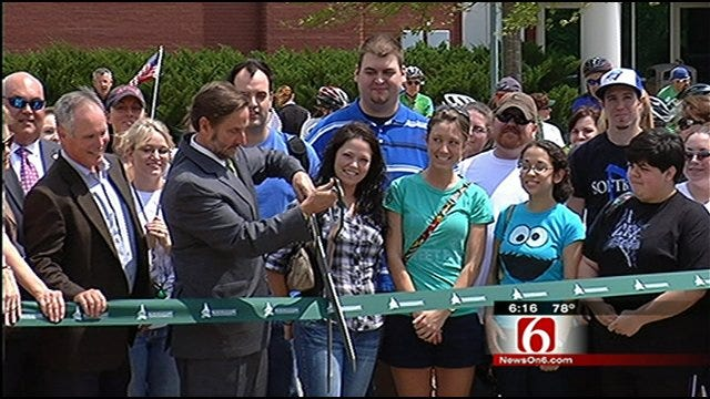 NSU Broken Arrow Dedicates New Bike Trail