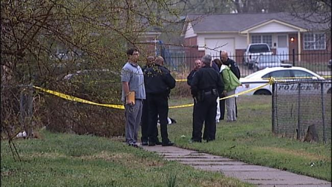 WEB EXTRA: Tulsa Police Find Man Shot To Death In Empty Lot