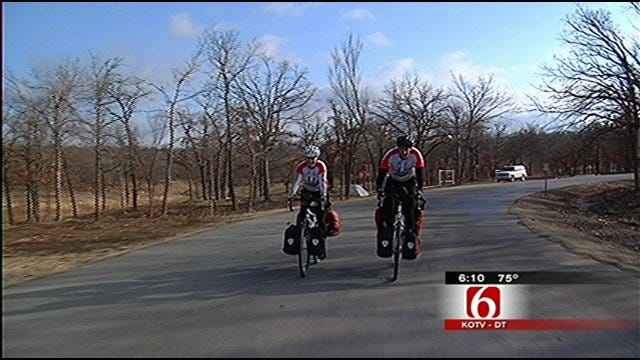 Newlyweds Trek Through Oklahoma On Cross-Country Bike Tour