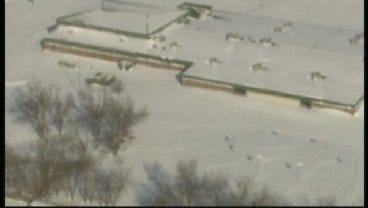 SkyNews 6: Snow Around The 6th Grade Center In Owasso Wednesday