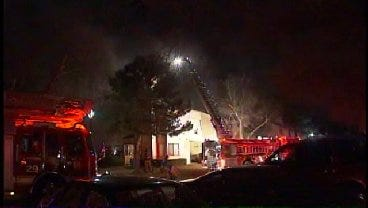 WEB EXTRA: Tulsa Firefighters Respond To Fire At Apartment Complex