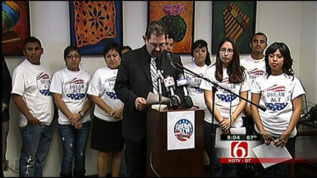 Oklahoma Students Show Support For 'Dream Act'