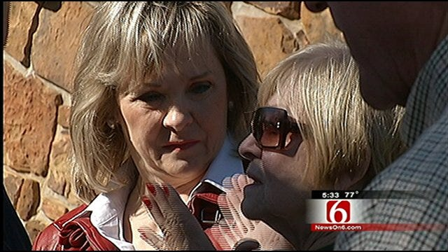 Mary Fallin Puts In Some Last Minute Campaigning