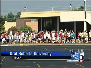 Hundreds Participate In Alzheimer's Association Memory Walk In Tulsa