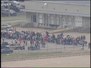 SKYNEWS 6: Airplane Carrying The Casket Of Oklahoma Soldier Lands In Tulsa