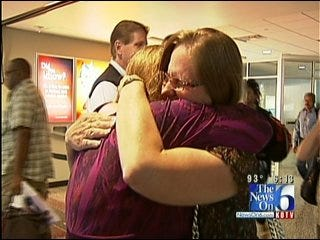 Green Country Mother, Daughter Reunited After More Than 40 Years