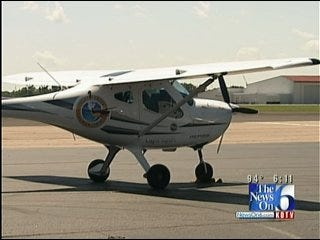 Pilot Flying Into Aviation History Stops In Tulsa