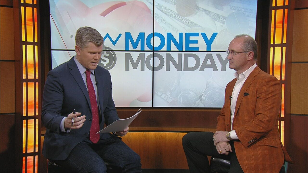 Money Monday: Paying Off Student Loans