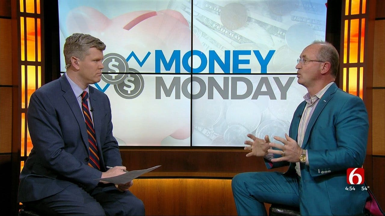 Money Monday: The Difference Between A 401K & An IRA