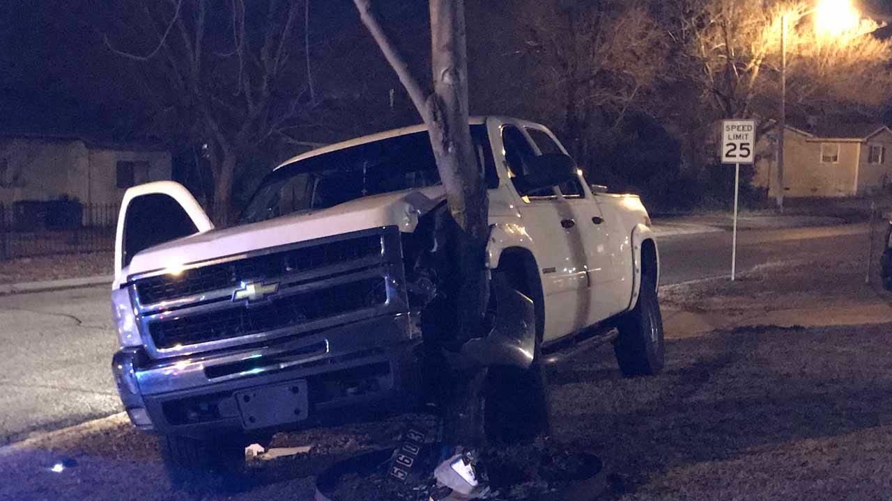 Tulsa Police: Driver Arrested After Crashing Into Tree