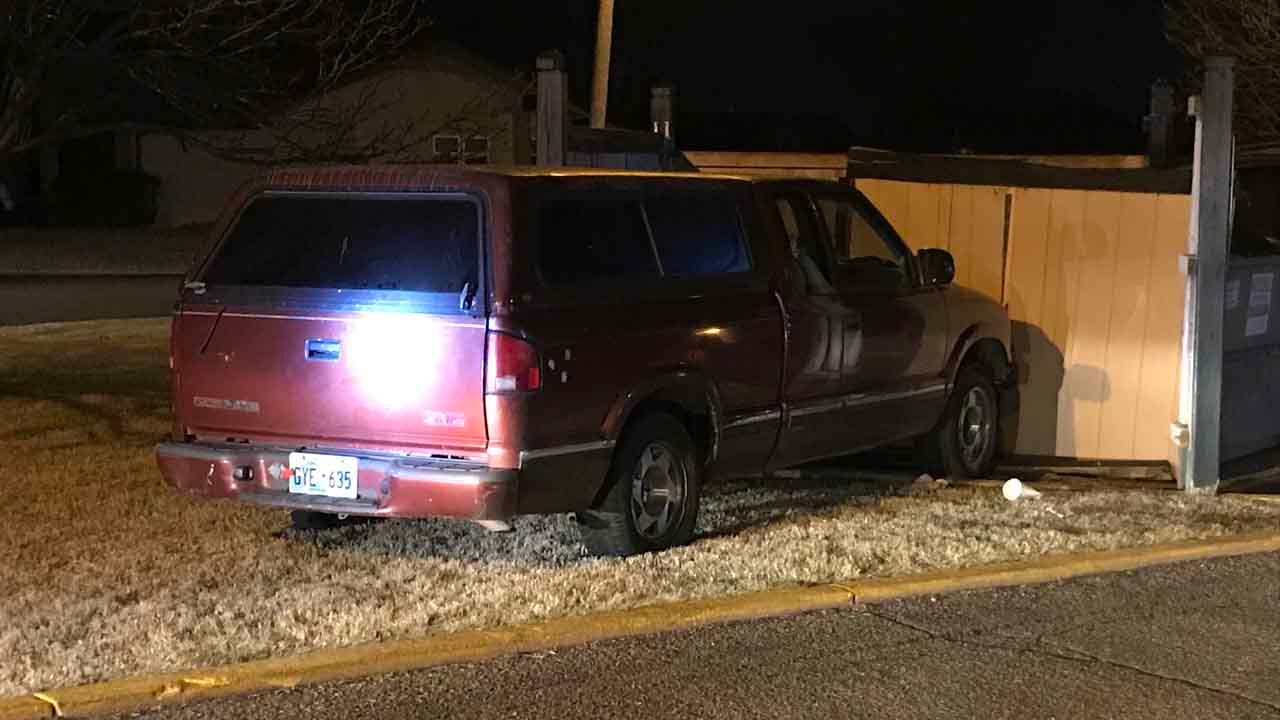 Tulsa Police Search For Driver After Chase Ends