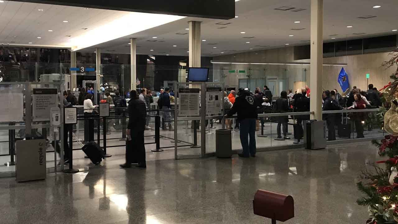 TIA Advises Thanksgiving Travelers To Arrive Early