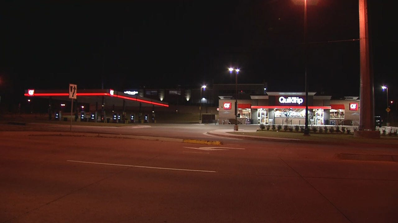 Police Searching For Suspect In Armed Robbery At Tulsa QuikTrip