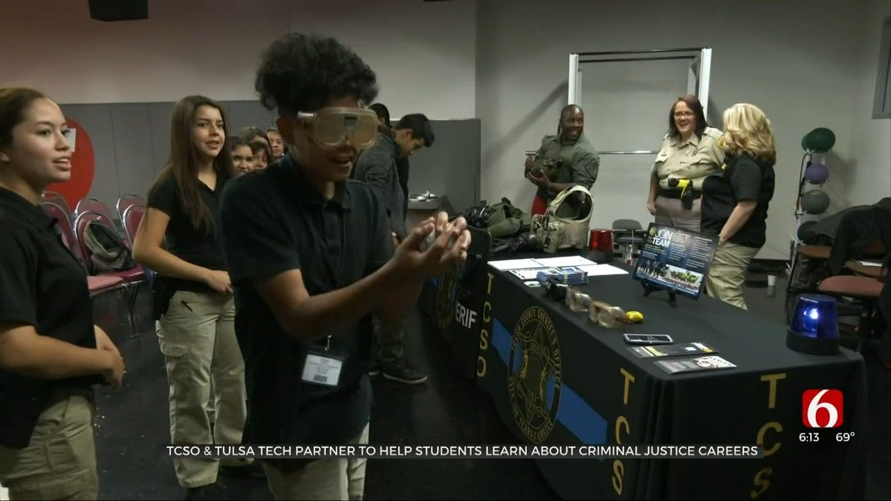 Tulsa Co. Sheriff's Office Teaches Tulsa Tech Students About Criminal Justice