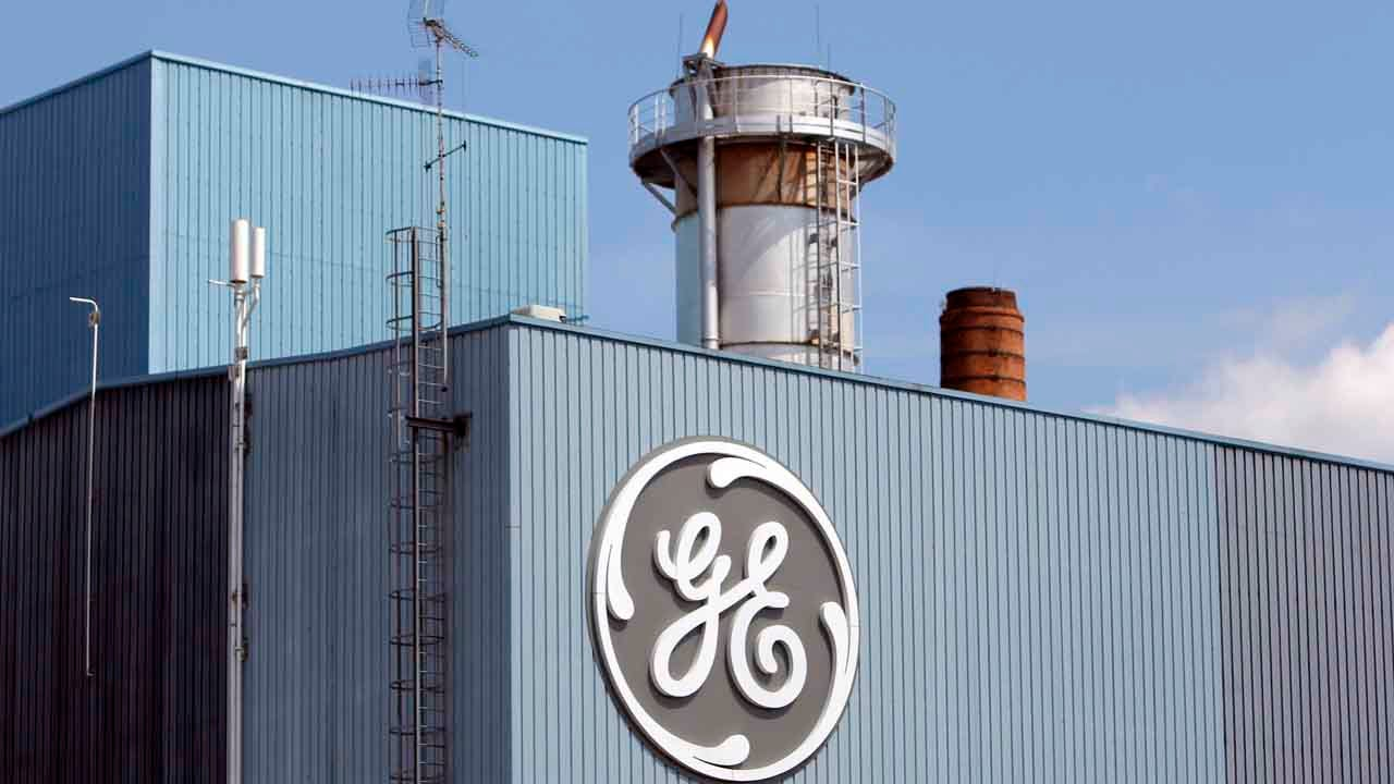 GE Freezes Pension Plan For 20,000 U.S. Employees